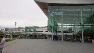 セーレンプラネットと福井駅